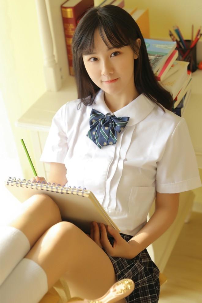Campus Jk制服Girl Color Natural丝袜照片