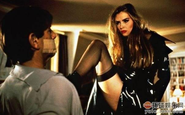 20部最性感丝袜美腿电影镜头,看看有你喜欢的没有 7