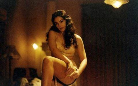20部最性感丝袜美腿电影镜头,看看有你喜欢的没有