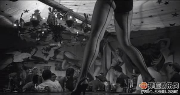 20部最性感丝袜美腿电影镜头,看看有你喜欢的没有 5