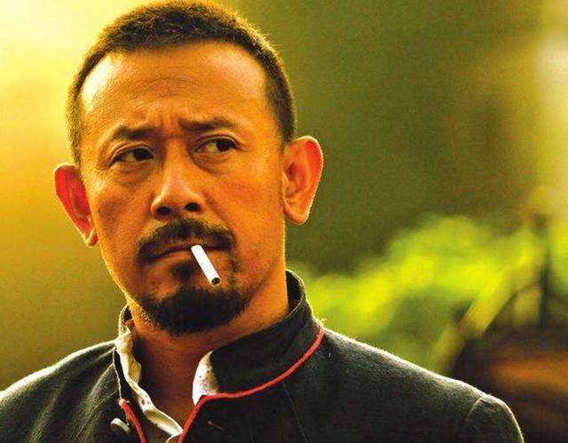 盘点电影中男明星吸烟很帅的12个镜头你看过几部? 33