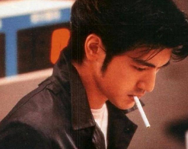 盘点电影中男明星吸烟很帅的12个镜头你看过几部? 27