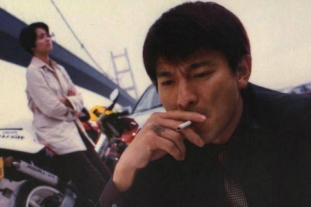 盘点电影中男明星吸烟很帅的12个镜头你看过几部? 30