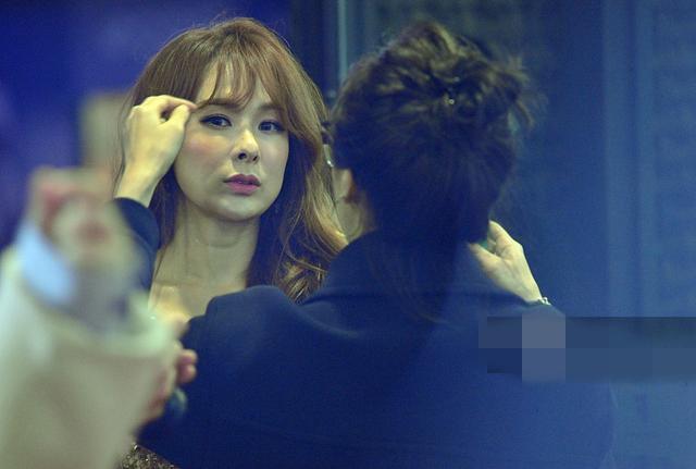 蔡妍脸部大走样竟被陈志朋的连体内衣抢了风头 4