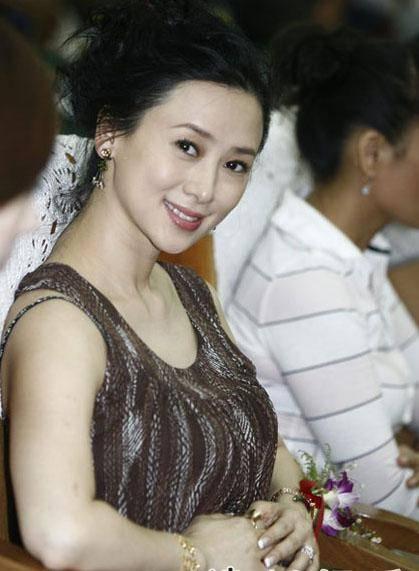 细数90年代一脱成名的女星这些香港女星哪一个你不认识? 3