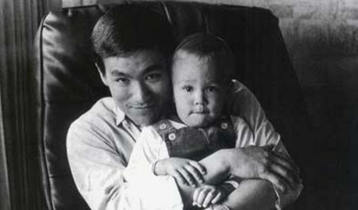 李小龙李国豪父子为什么会突然暴死?原来是这样 17