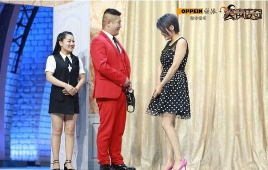 笑傲江湖之笑声传奇》贾冰和蔡明同台夺得本届大赛的冠军 3