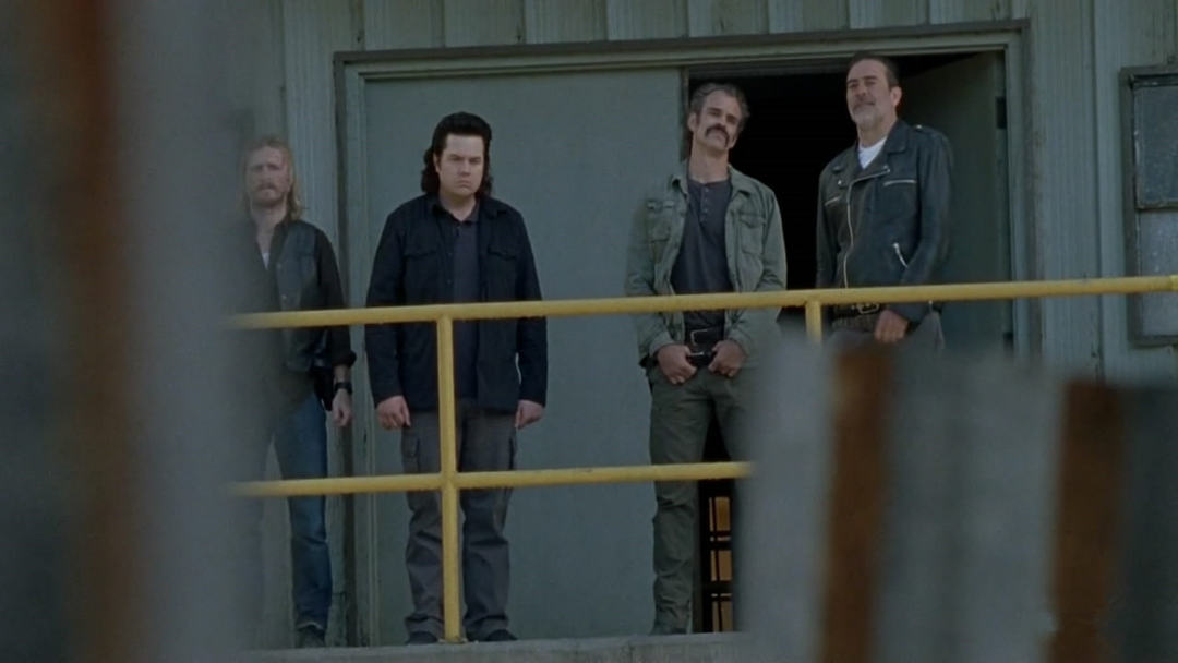 行尸走肉第八季第1集剧情之瑞克带队与救世军开战,神父落入尼根之手 3