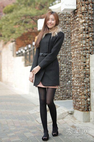 李宇春出席活动穿黑丝短裙搭配恨天高网友:越来越有女人味了 1