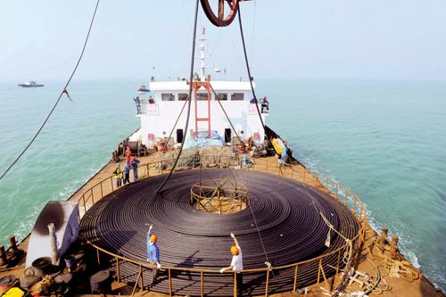 山东青岛10千伏海底电缆成功敷设 1