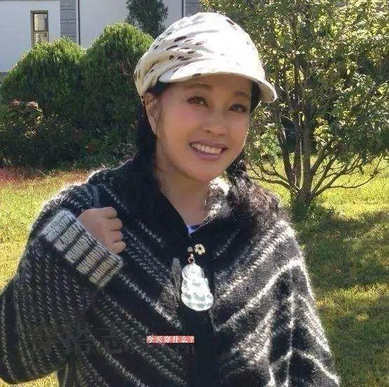 """刘晓庆走红毯穿丝袜被嘲笑:总拿""""老""""讽刺女人这一招不好使了 13"""