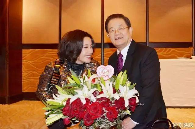 """刘晓庆走红毯穿丝袜被嘲笑:总拿""""老""""讽刺女人这一招不好使了 16"""