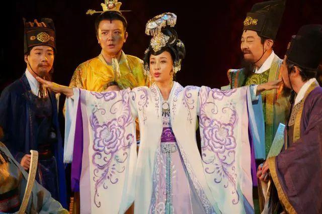 """刘晓庆走红毯穿丝袜被嘲笑:总拿""""老""""讽刺女人这一招不好使了 5"""