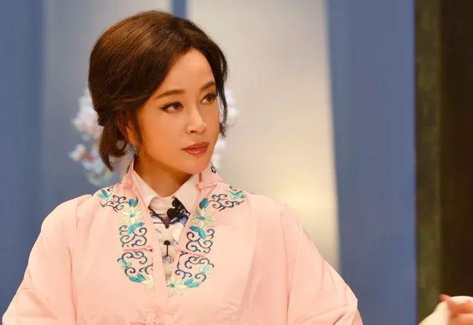 """刘晓庆走红毯穿丝袜被嘲笑:总拿""""老""""讽刺女人这一招不好使了 10"""