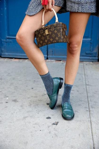 金丝袜子配乐福鞋