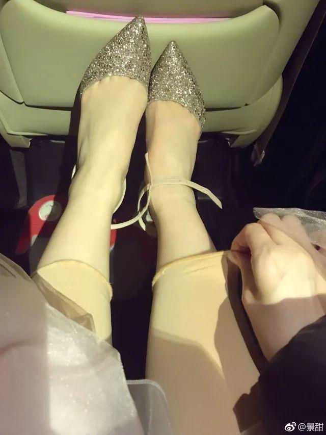 """刘晓庆走红毯穿丝袜被嘲笑:总拿""""老""""讽刺女人这一招不好使了 3"""