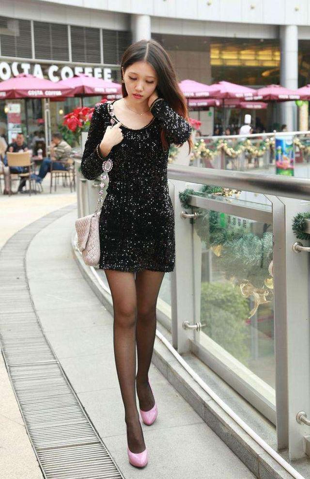黑丝袜搭包臀裙彰显好气质青春迷人 6