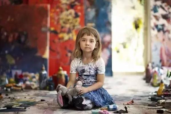 2岁办画展4岁收入百万的孩子到底是怎么教育的? 2