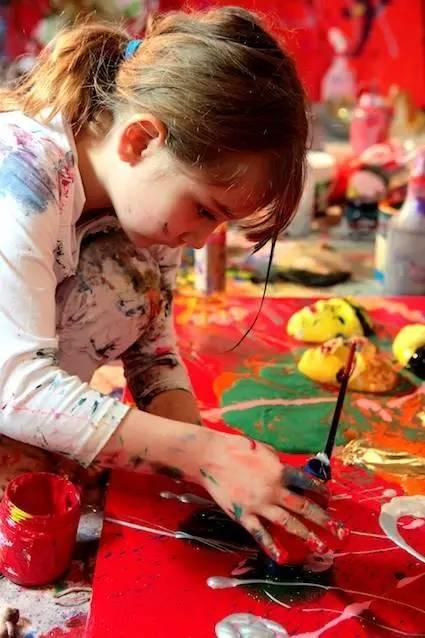 2岁办画展4岁收入百万的孩子到底是怎么教育的? 5