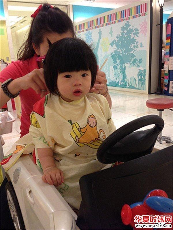 宝宝到底适合在家理发还是在理发店理发宝妈们你知道吗? 4