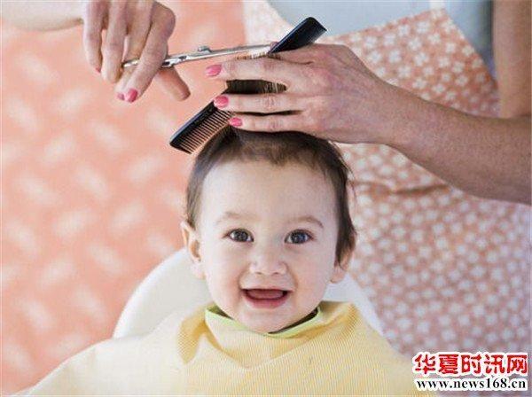 宝宝到底适合在家理发还是在理发店理发宝妈们你知道吗? 2