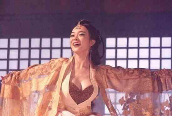 露乳装?唐朝的女人为何喜欢坦胸露乳? 2