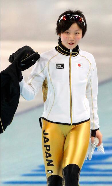 速滑服裆部设计常雷人 日女将曾穿透视装露丁字裤 1