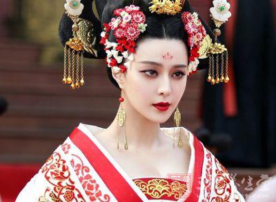 露乳装?唐朝的女人为何喜欢坦胸露乳? 7