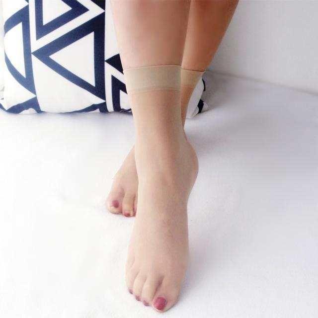 玉足搭配性感短丝袜 让你做一个冰爽的夏季女神 8