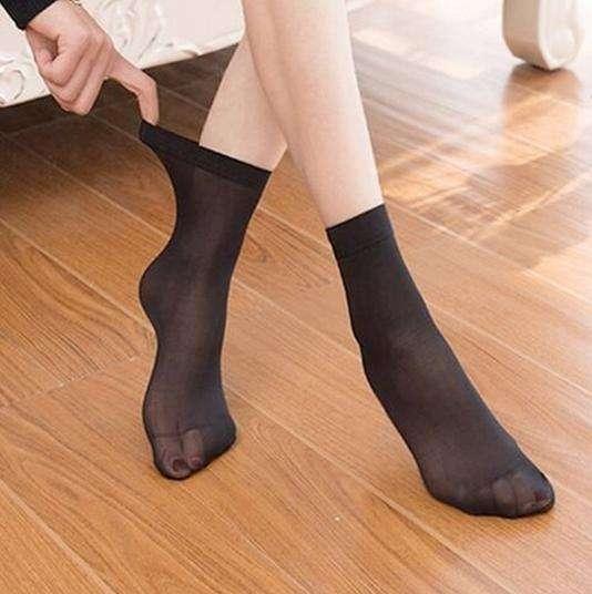 玉足搭配性感短丝袜 让你做一个冰爽的夏季女神 5