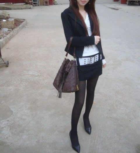 女人爱穿黑裤袜可穿对的没几个:女生不可以乱穿 2