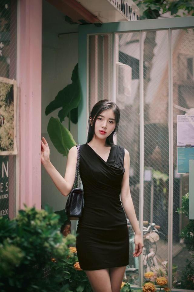 小清新吊带连衣裙美女风姿绰约美丽随性时尚减龄有魅力! 13