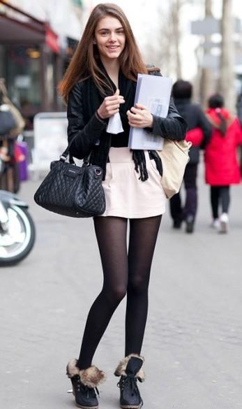 黑丝袜搭配短靴让你秋季秀美腿 1