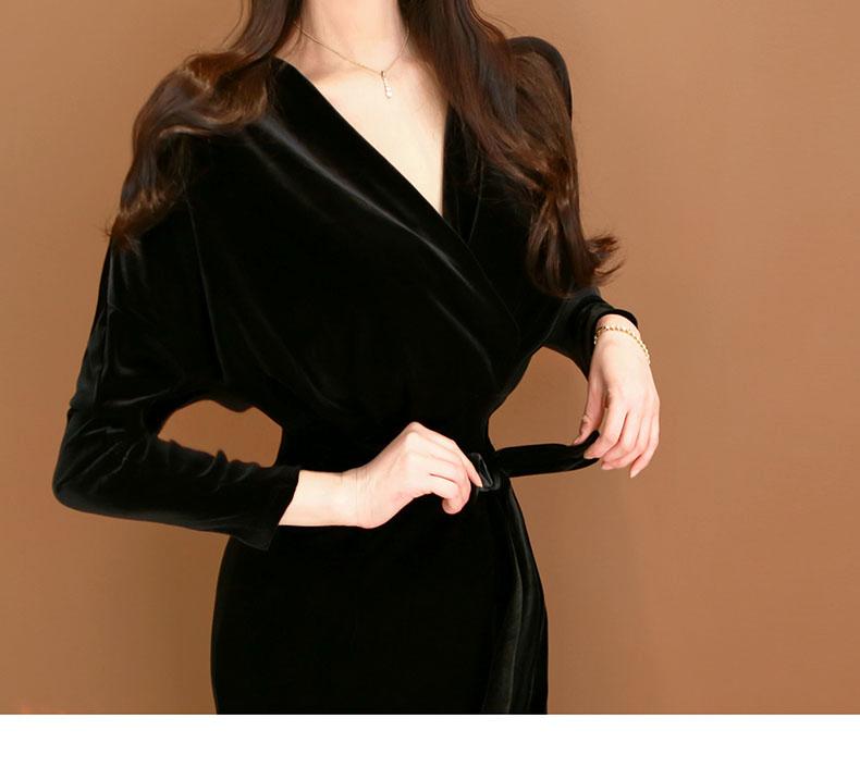 丝绒包臀裙搭配一双黑丝袜尽显美女优雅气质 1