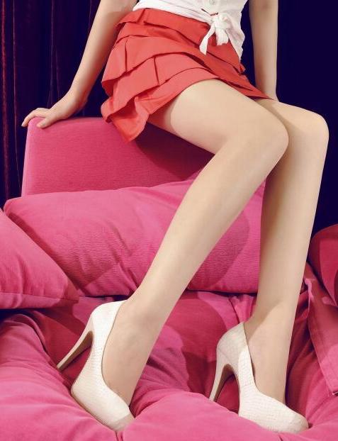 红色短裙遇上肉丝高跟鞋白皙双腿优雅身姿 5