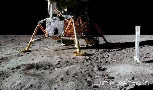 """""""阿波罗登月""""真的是一场彻头彻尾的骗局,登月50年记"""