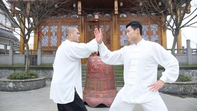 江湖传武大师,上擂台不到10秒变着花样被KO 6