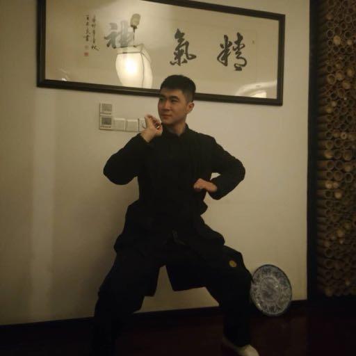 江湖传武大师,上擂台不到10秒变着花样被KO 9