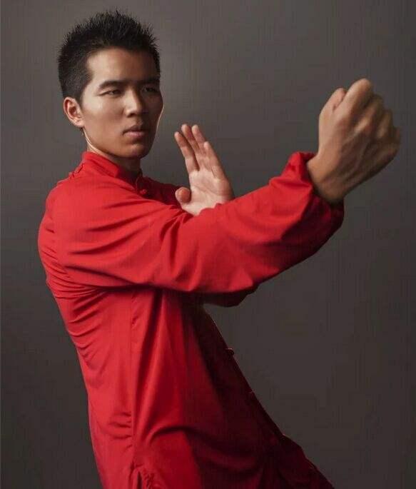 江湖传武大师,上擂台不到10秒变着花样被KO 4