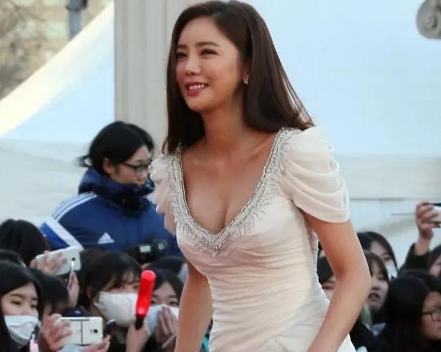 """性感比基尼美女5图赏析,她是韩国""""泳装女王"""" 1"""