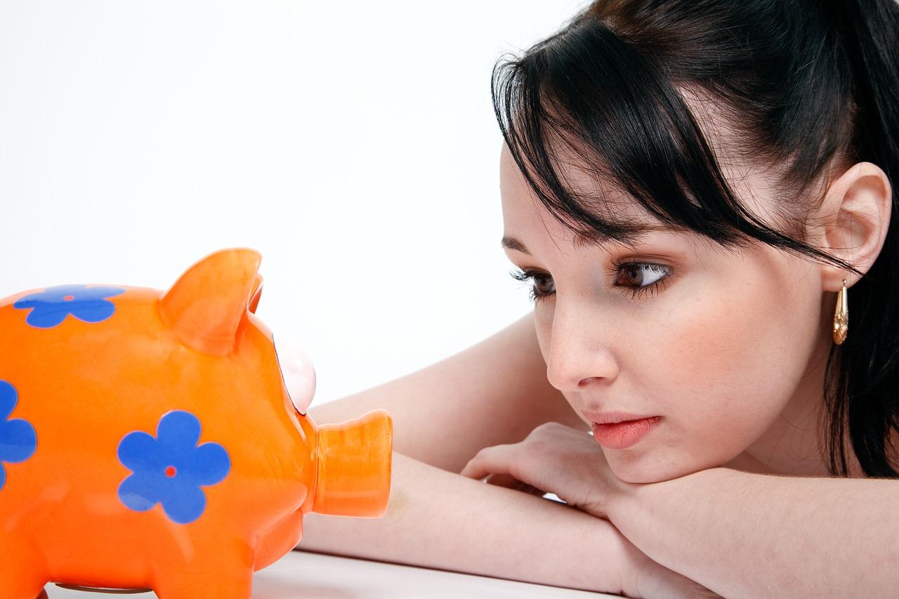 ACH转账和电汇转账手续费比较