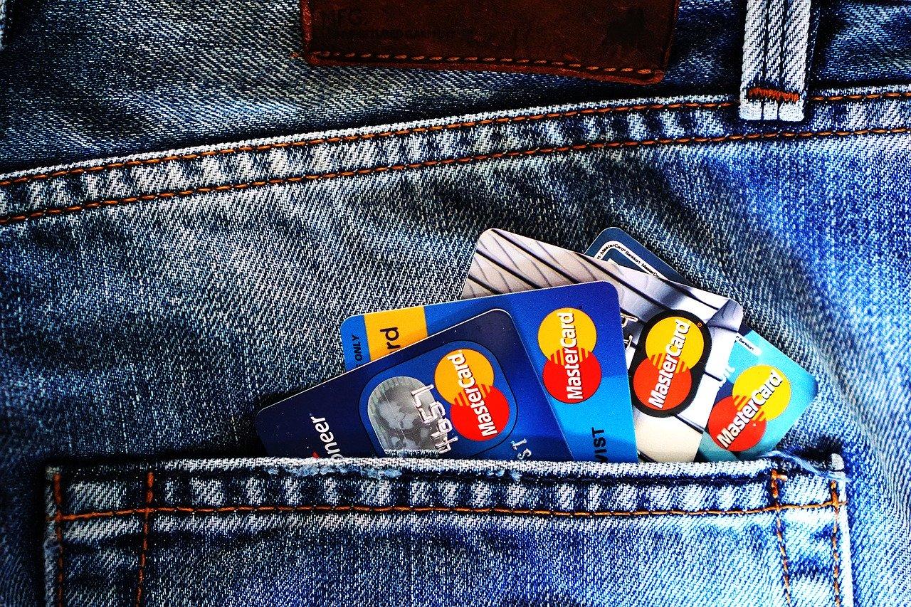 国外有钱人办理多个银行账户的3个好处