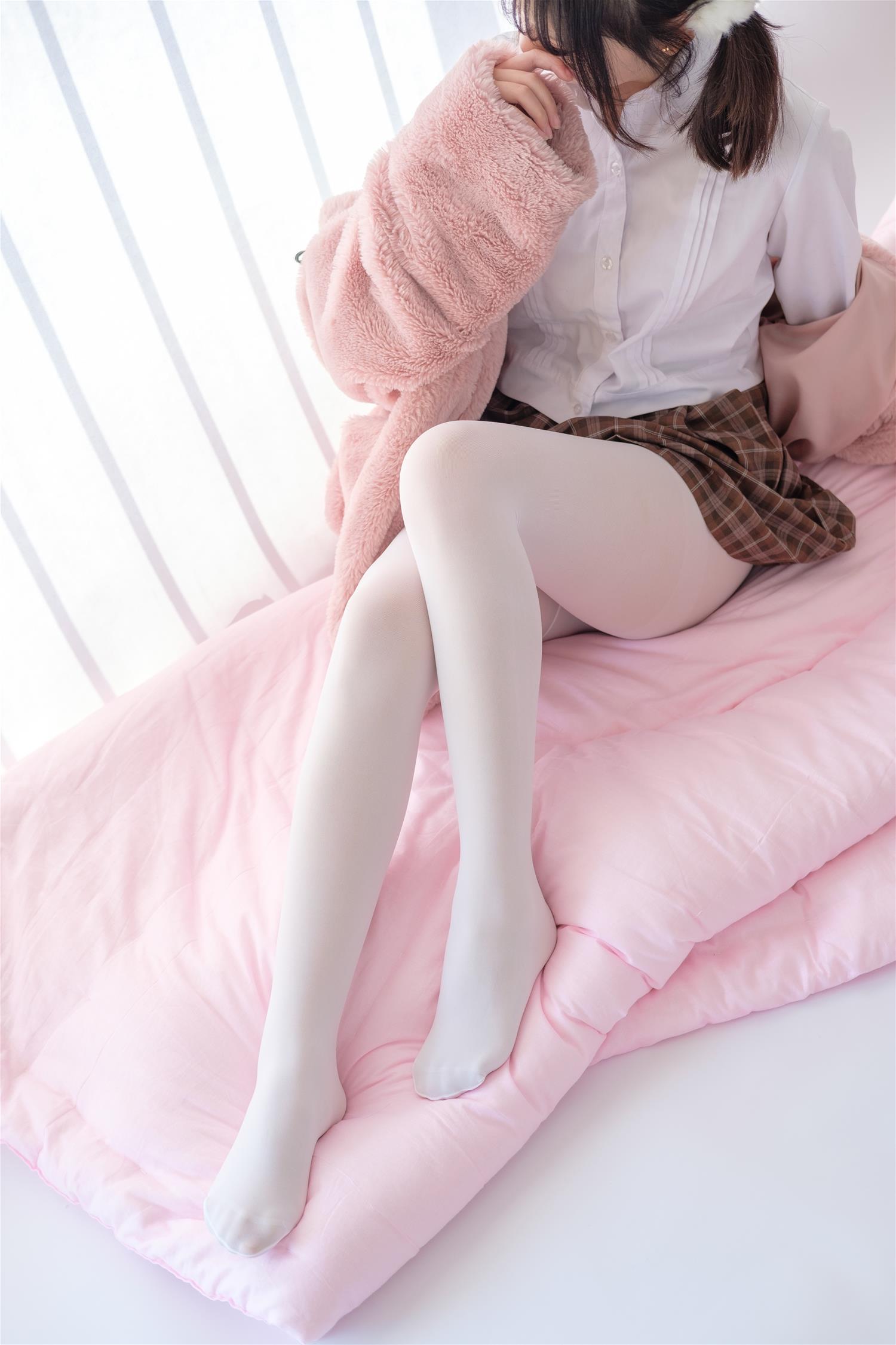 2个清纯少女白丝美腿私房照竟遭泄露! 3