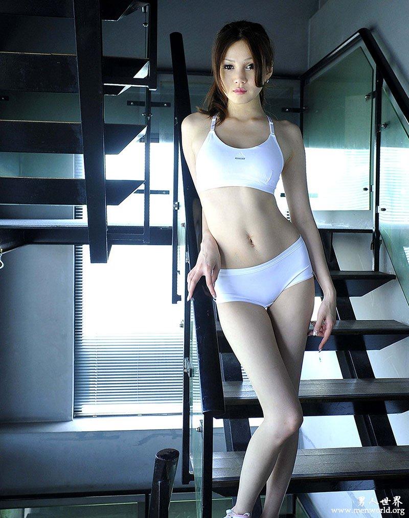 濑亚美莉的美腿秘诀 2